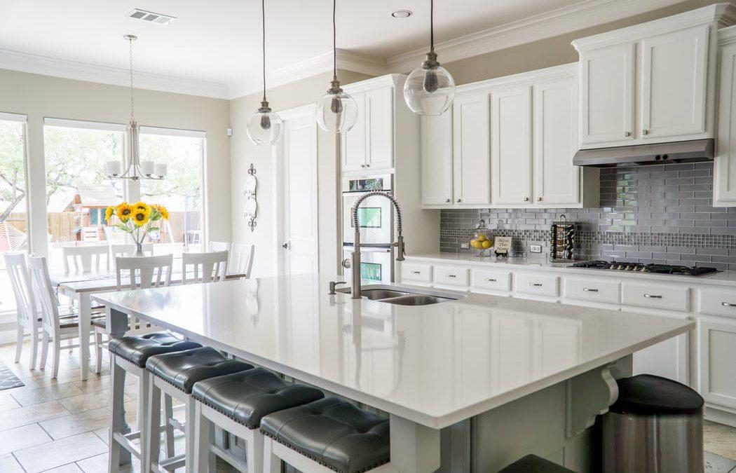 Reforma tu cocina e instala un estor enrollable screen